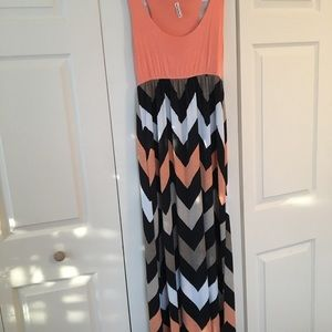 Dresses & Skirts - Chevron print maxi